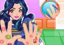 Evie Hands Doctor